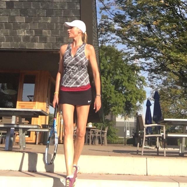 Tennislerares bij Genneper Parken voor Eindhoventennis
